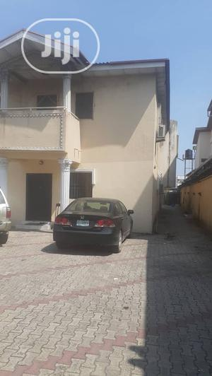 Mini Flat Apartment to Let at Oniru Self Serviced