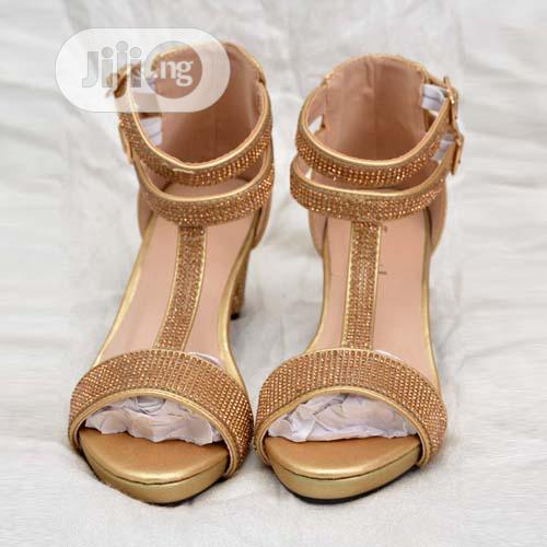 Archive: Adorable Girls Strap Sandals
