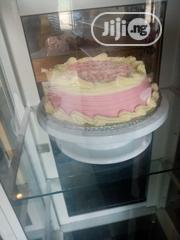 Brown Cake And Vanilla Sponge Cake | Party, Catering & Event Services for sale in Oyo State, Egbeda