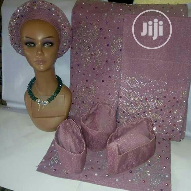 Archive: Fully Stoned And Designed Auto Gele