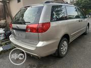 Toyota Sienna 2006 Silver | Cars for sale in Lagos State, Magodo