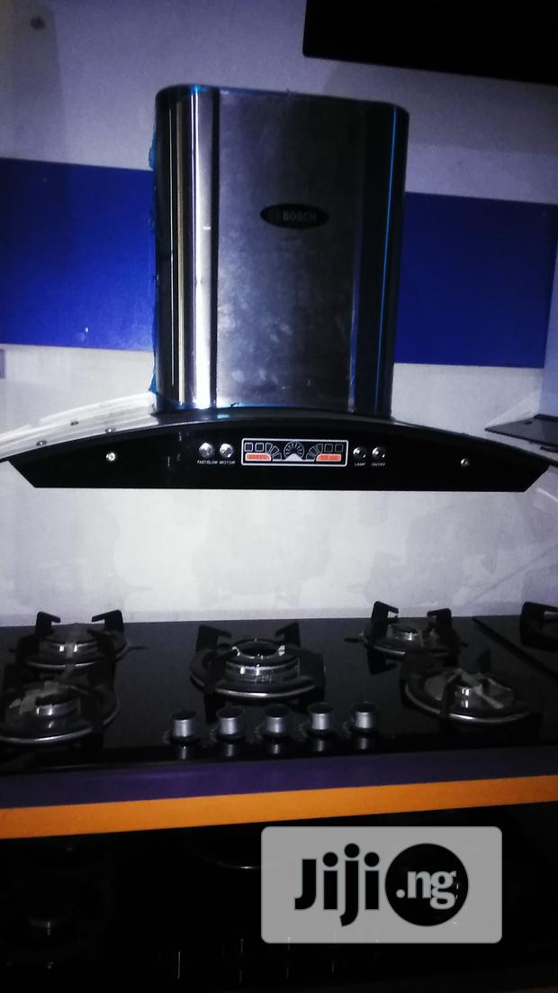 Bosch Cabinet 5burners Cooker And 90cm Hood With 2yrs Wrnty