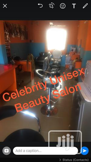 Female Hair Stylist Is Need At Celebrity Unisex Beauty Salon