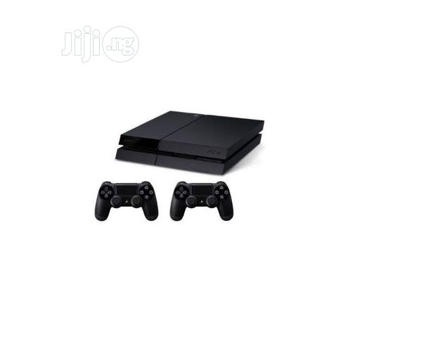 Sony Playstation 4 Console 500gb + 2 Controllers- Black