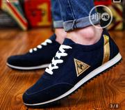 Unisex Sneakers With Gold Stripe (Wholesales, Nationwide Delivery) | Shoes for sale in Lagos State, Lagos Island