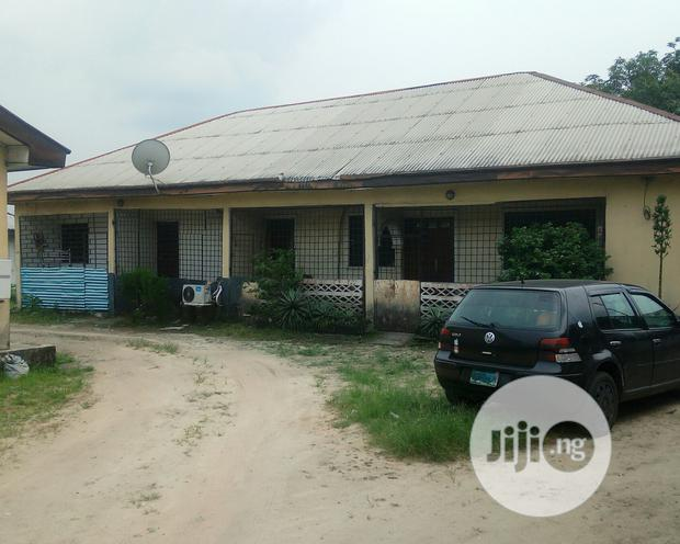 Archive: To Let: Very Roomy Elf-contained @ Rumuibekwe Estate, Port Harcourt