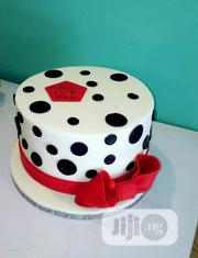 Fondant Cake With Free Cupcakes!! | Meals & Drinks for sale in Lagos State, Ajah