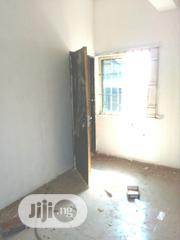 Neat 2 Bedroom Flat Off Fashoro St Surulere For Rent. | Houses & Apartments For Rent for sale in Lagos State, Surulere