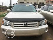 Toyota Highlander 2004 Limited V6 4x4 Gold | Cars for sale in Lagos State, Isolo