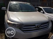 Toyota Highlander 2013 3.5L 4WD White | Cars for sale in Lagos State, Ojodu