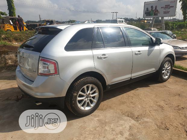 Archive: Ford Edge 2009 SE 4dr FWD (3.5L 6cyl 6A) Silver