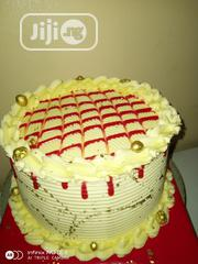 9 Inch. Vanila And Strawberry | Party, Catering & Event Services for sale in Oyo State, Ibadan North East