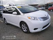 Toyota Sienna 2013 L FWD 7 Passenger White | Cars for sale in Lagos State, Ajah