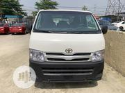 Toyota Hilux 2010 2.0 VVT-i SRX White | Buses & Microbuses for sale in Lagos State, Ajah