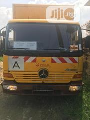 Tokunbo Mercedes-benz 815 Atego 2000 Yellow For Sale | Trucks & Trailers for sale in Lagos State, Lekki Phase 2