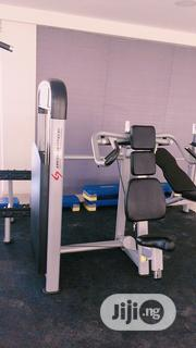 Brand New Imported American Fitness Seated Shoulder Press Machine | Sports Equipment for sale in Lagos State, Surulere