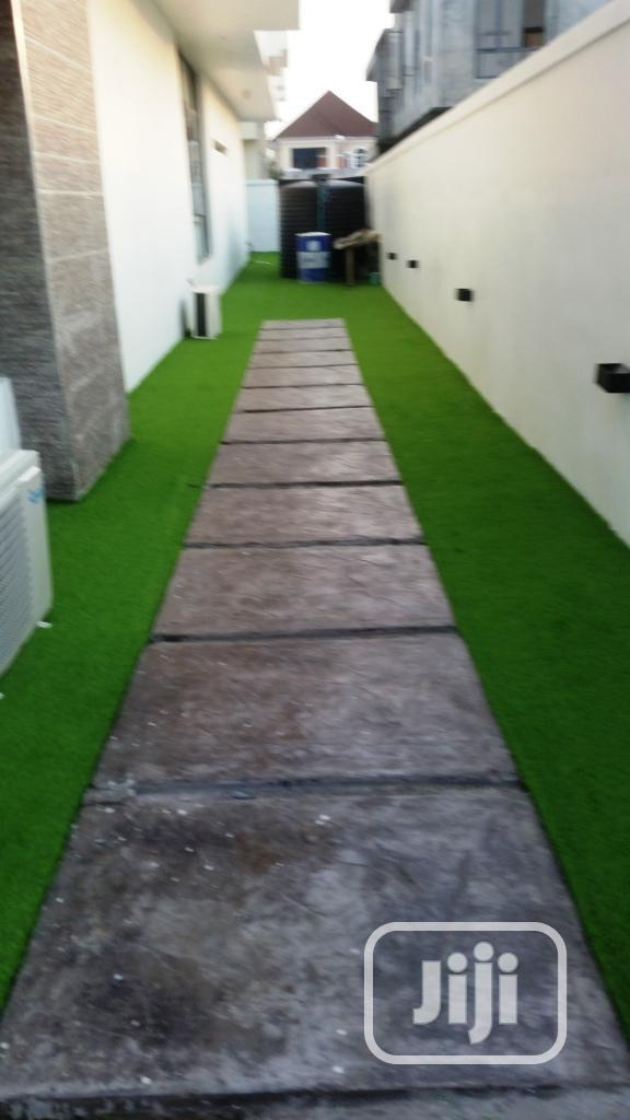 Synthetic Grass For Walkway In Nigeria