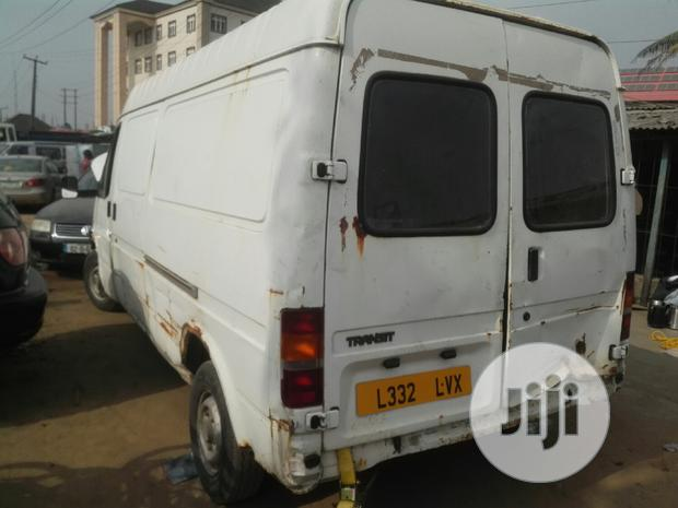 Archive: Ford Transit 2000 White