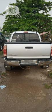 Toyota Tacoma V6 Double Cab 4WD 2005 Silver | Cars for sale in Lagos State, Lagos Mainland