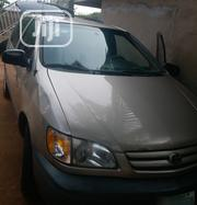 Toyota Sienna 2001 Gold | Cars for sale in Delta State, Oshimili South