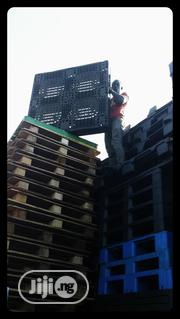 Plastic Pallets Heavy Duty Standard Dimension. | Building Materials for sale in Lagos State, Agege