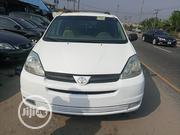 Toyota Sienna 2004 CE FWD (3.3L V6 5A) White | Cars for sale in Delta State, Warri