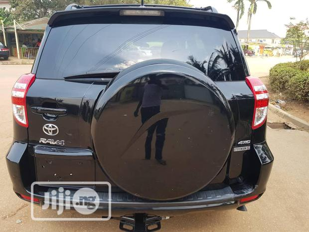 Archive: Toyota RAV4 2011 3.5 Limited 4x4 Black