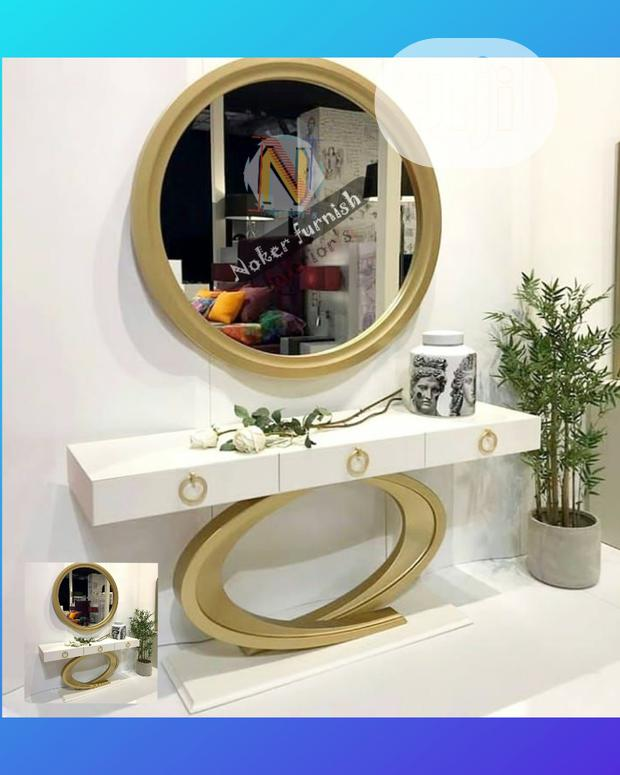 Console With Round Mirror