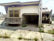 After Sharp Corner, Ibadan. Old Structure, 5 Bedroom Bungalow. | Houses & Apartments For Sale for sale in Oyo State, Oluyole