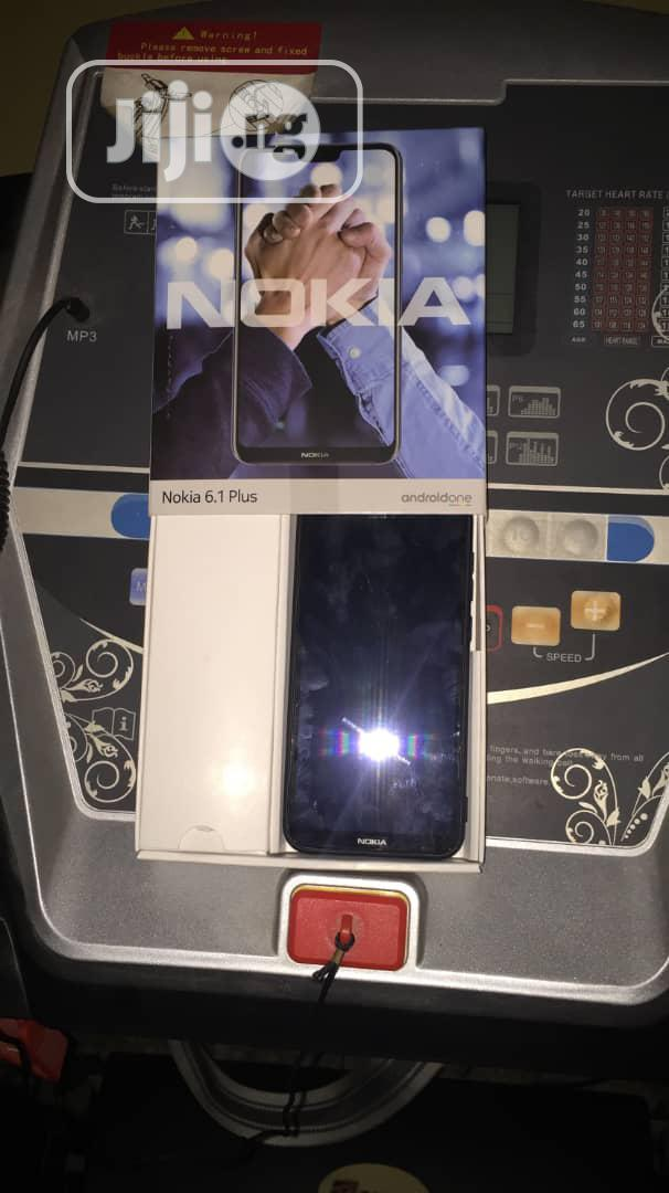 Archive: Nokia 6.1 Plus (X6) 64 GB Black