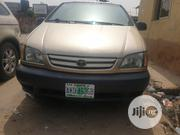 Toyota Sienna 2002 Gold | Cars for sale in Lagos State, Surulere