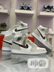 """Jordan 1 RETRO HIGH """"DIOR """" Sneakers 