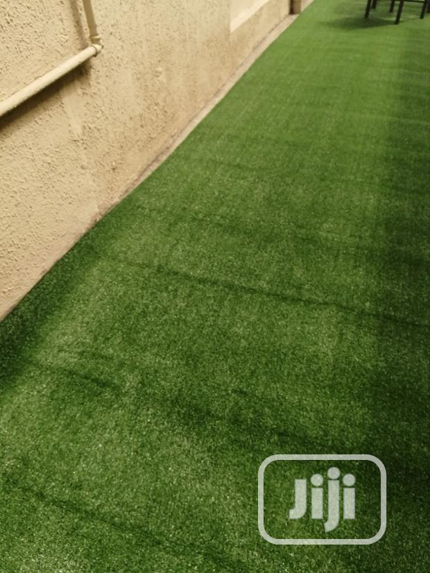Wall Decking With Artificial Green Grass