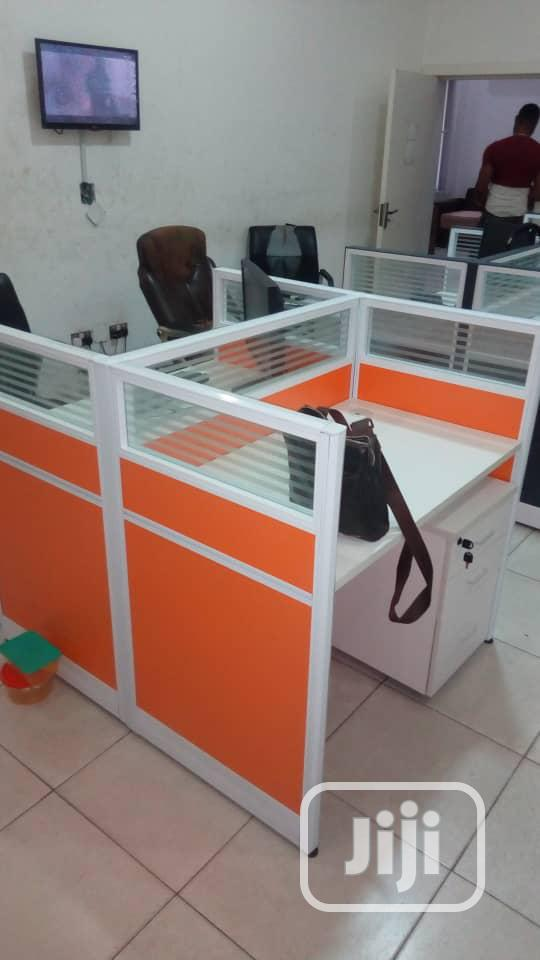 Four Seaters Workstations Desk