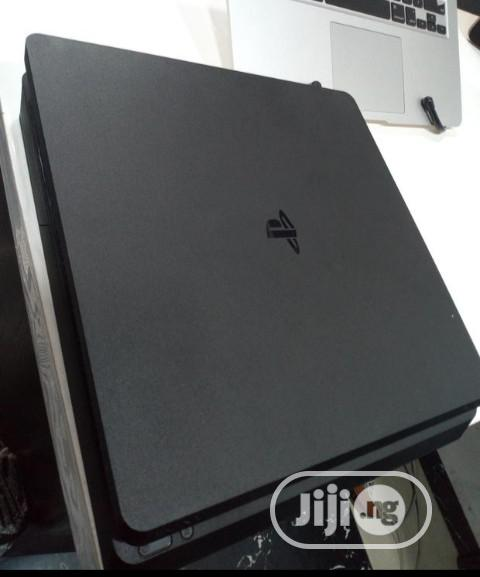 Archive: Slim Playstation4
