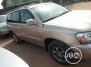 Toyota Highlander 2005 V6 4x4 Gold | Cars for sale in Lagos State, Amuwo-Odofin