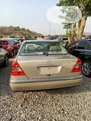 Mercedes-Benz C200 2002 Gold | Cars for sale in Abuja (FCT) State, Gwarinpa