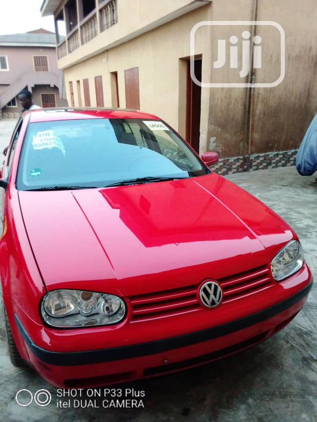 Archive: Volkswagen Golf 2005 1.6 Comfortline Red