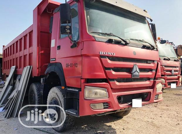 Archive: Sinotruck Howo 2015 Red