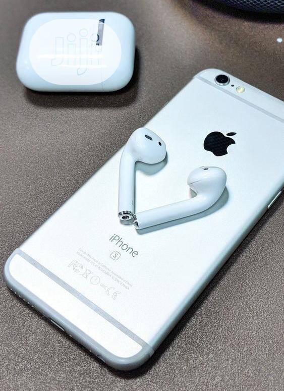 Archive: Apple Airpods 2 And iPhone 6s Pair For Sale Discounted Price
