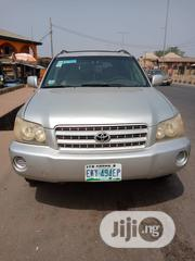 Toyota Highlander Limited V6 4x4 2004 Silver | Cars for sale in Lagos State, Isolo