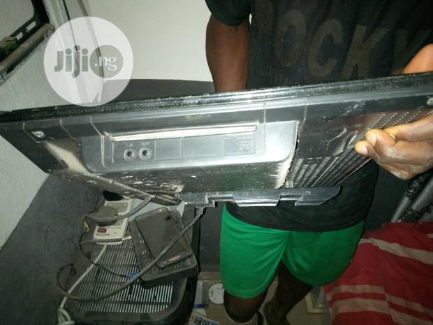 Archive: Clean JVC 24inch LED TV With Remote