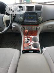 Toyota Highlander Dvd And Formical | Vehicle Parts & Accessories for sale in Lagos State, Mushin