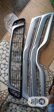 Front Grill Toyota VENZA Original Up&Down Sir | Vehicle Parts & Accessories for sale in Lagos State, Mushin