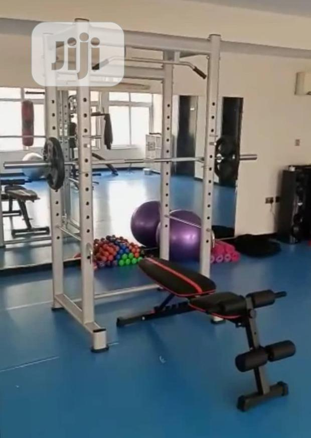 Squat Rack With Adjustable Bench +Olympic Bar +20kg Weight