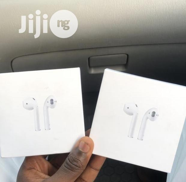 Archive: Apple Air Pods 2