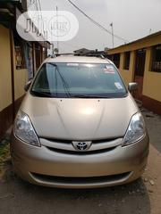 Toyota Sienna 2009 XLE AWD Gold | Cars for sale in Lagos State, Surulere