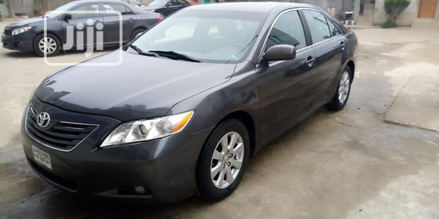 Archive: Toyota Camry 2008 2.4 XLE Gray