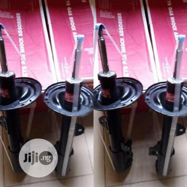 Front KYB Shock Absorber Toyota VENZA 2013