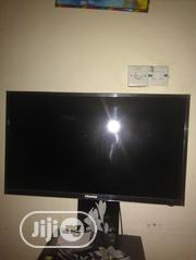 "32"" Hisense TV 